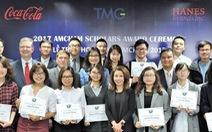 20 sinh viên năm cuối xuất sắc nhận học bổng AmCham Scholars