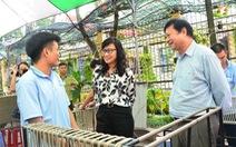 Lãnh đạo TP.HCM thăm, tặng quà các cơ sở xã hội