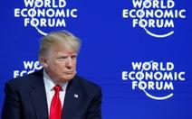 Ông Trump vừa đấm vừa xoa tại Davos