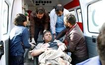 Đánh bom xe cứu thương ở Afghanistan, ít nhất 95 chết