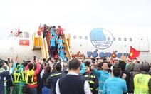 Phạt Vietjet 44 triệu vì diễn bikini trên máy bay chở U-23 Việt Nam