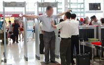 Vì sao hành khách trong 'danh sách đen' bay lọt tới Nga?