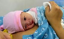 4 bé chào đời đúng thời khắc giao thừa ở TP.HCM