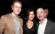 Tỉ phú Jeff Bezos ly hôn ngay vì sợ bị công bố điều tra ngoại tình