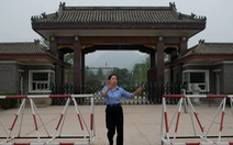 Các quan 'hét ra lửa' của Trung Quốc sống ra sao trong tù?