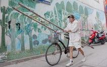 Người họa sĩ già và những bức tường cũ của Sài Gòn