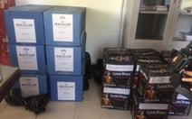 Xe tải 'phế liệu' chở 55 thùng rượu ngoại trị giá gần 1 tỉ