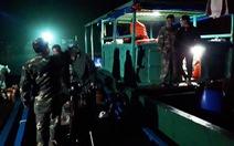 Đưa hai ngư dân gặp nạn trên biển Cô Tô về bờ an toàn