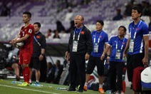 Ông Park lo Công Phượng bị thẻ phạt khi va chạm với cầu thủ Yemen