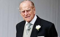 Phu quân 97 tuổi của nữ hoàng Anh gặp tai nạn xe hơi