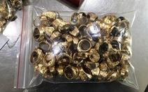 Nhân viên trộm 230 lượng vàng tây, chủ tiệm không ngờ 'nuôi ong tay áo'