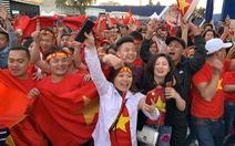Tuyển Việt Nam chiến thắng quả cảm, Sài Gòn, Hà Nội đón 'bão' lớn