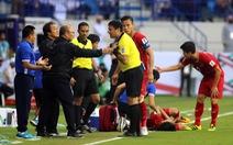 'Đủ kiểu' biểu cảm của ông Park khi căng thẳng trước Jordan