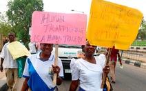 Bùi tai với 'việc tốt lương cao' ở Malaysia, tàn đời ở nhà thổ Mali