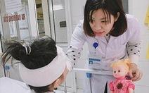 Bé gái 6 tuổi bị chấn thương nghiêm trọng do chó nhà tấn công