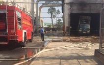 Nổ và cháy trong khu công nghiệp, 1 người chết, 3 người bị thương