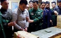 120 bánh heroin 'núp' khắp xe cố 'lọt' vào Việt Nam