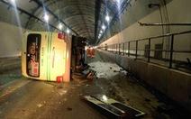 Xe khách va thành hầm Hải Vân, 5 người bị thương