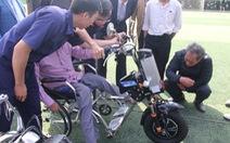 Sinh viên chế tạo xe '2 trong 1' tặng người khuyết tật