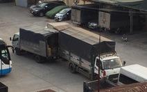 Pháo lậu, hàng lậu chở bằng xe tải từ Campuchia về TP.HCM.