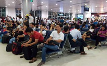 """Lượng khách đi máy bay dịp Tết tăng hơn 10% nhưng không """"sốt"""" vé"""