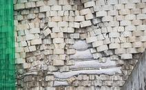 Di tản khẩn 18 hộ dân vì sợ 'bức tường thành' dự án Đồi Xanh sụp đổ