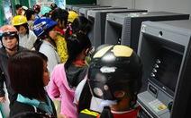 """Ngân hàng cần đẩy nhanh 'chip hóa"""" để tránh mất tiền trong thẻ ATM"""