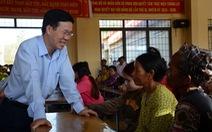 Ông Võ Văn Thưởng thăm hỏi, chúc tết đồng bào dân tộc ít người ở Bình Thuận
