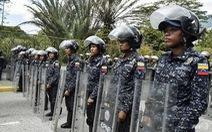 Phe đối lập Venezuela kêu gọi quân đội ngừng ủng hộ Maduro