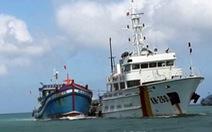Tàu cá Việt Nam giả cả biển số tàu Malaysia đánh bắt cá trái phép
