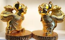 Đa dạng tượng heo mạ vàng làm quà ngày tết