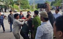 Người nhặt phế liệu đánh nhau với nhóm chặn xe vào bãi rác