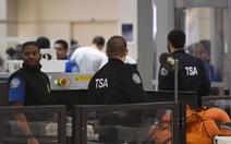 Hành khách bay tới Mỹ 'nếm mùi' chính phủ đóng cửa