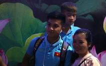 Chùm ảnh cầu thủ U22 Việt Nam đến TP.HCM, chuẩn bị đối đầu U22 UAE