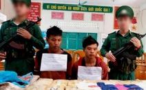 Hai thanh niên Lào 'xách tay' 100.000 viên ma túy vào Việt Nam