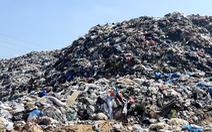Video: Rác thải chất thành núi ở Hội An