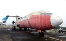 Sẽ không đổi máy bay bị bỏ rơi ở Nội Bài lấy suất dưỡng lão hay bánh kẹo