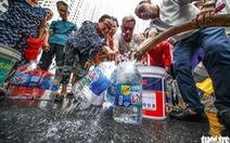 Hoả tốc ngăn chặn lũng đoạn thị trường nước đóng chai ở Hà Nội