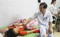 5 nữ sinh Nghệ An nhập viện vì bị sét đánh