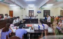 Khiển trách vợ chủ tịch UBND tỉnh Hà Giang vì nhắn tin 'nhờ vả' cho cháu