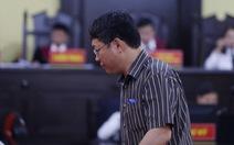 Phó chủ tịch TP Sơn La 'chỉ nhờ xem' nhưng con cháu vẫn được nâng điểm
