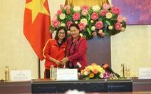 Chủ tịch Quốc hội Nguyễn Thị Kim Ngân: Thành tích của bóng đá nữ khiến bóng đá nam phải mơ ước