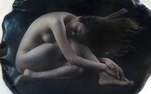 Ngắm ảnh khỏa thân trên đá của nghệ sĩ nhiếp ảnh Thái Phiên