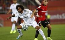 Real Madrid lại sa cơn khốn quẫn