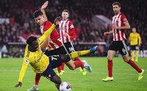Đá bế tắc, Arsenal bại trận trước đội mới lên hạng