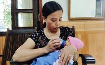 Mẹ bỏ con gái mới sinh kèm thư 'khó khăn không nuôi con được'