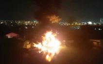 Nhà xưởng ở quận Bình Tân bốc cháy ngùn ngụt trong đêm