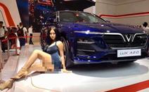 Cô gái tạo dáng quá lố tại Vietnam Motor Show 2019 là câu view, phản cảm
