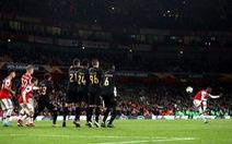 Pepe với 2 cú sút phạt siêu đẳng cứu Arsenal khỏi bẽ mặt ở sân Emirates