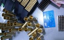 Công an kiểm tra cũng bất ngờ: gần 2.000 viên đạn giấu trong cốp xe máy